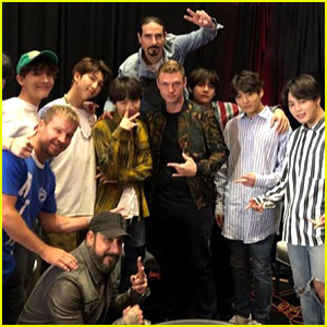 BTS Hang Out With The Backstreet Boys Backstage at Billboard Music Awards 2018!