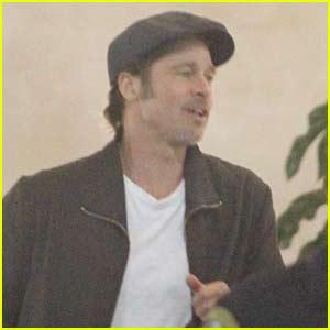 Brad Pitt Arrives to W... Brad Pitt News
