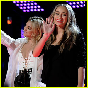 Julia Michaels Joins 'The Voice' Star Brynn Cartelli for Finale Performance! (Video)