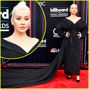 Christina Aguilera Walks BBMAs Red Carpet with a Long Train!