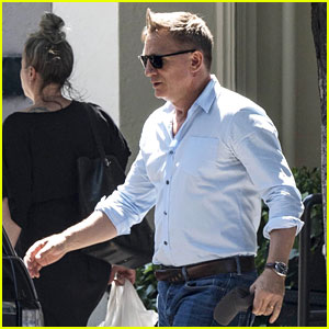 Daniel Craig Enjoys Some Solo Retail Therapy While Out in NYC