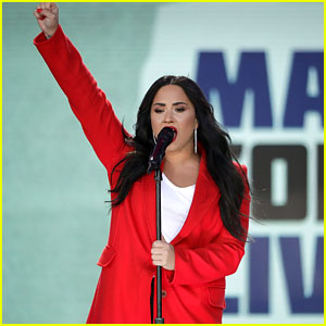 Demi Lovato Fractures Her Foot While in Bali