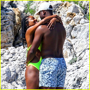 Gabrielle Union & Shirtless Dwyane Wade Show Some Sweet PDA on Vacation!