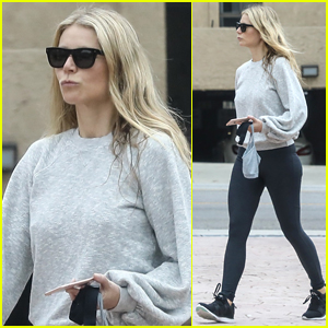 Gwyneth Paltrow Gets In Early Morning Workout in Brentwood!