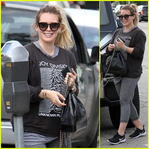 Hilary Duff Is All Smiles While Heading Out for Lunch in LA!