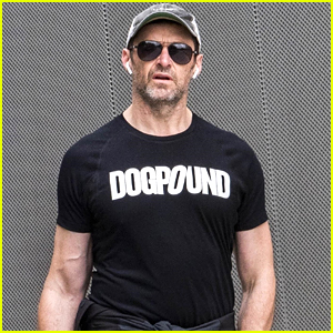 Hugh Jackman Flaunts Fit Physique After His Workout!