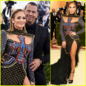Jennifer Lopez & Alex Rodriguez Return to the Met Gala Carpet!