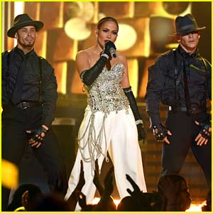 Jennifer Lopez Performs 'Dinero' Live for First Time at Billboard Music Awards 2018 (Video)