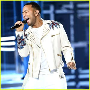 John Legend Performs 'A Good Night' at Billboard Music Awards 2018 (Video)