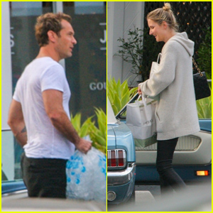Jude Law & Girlfriend Phillipa Coan Go Grocery Shopping Together in Beverly Hills