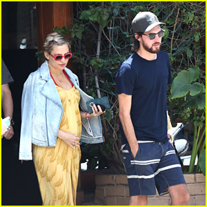 Pregnant Kate Hudson & Boyfriend Danny Fujikawa Go on a Sunday Lunch Date Together!