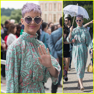 Katy Perry & 'Witness Tour' Crew Visit Versailles Castle in France!