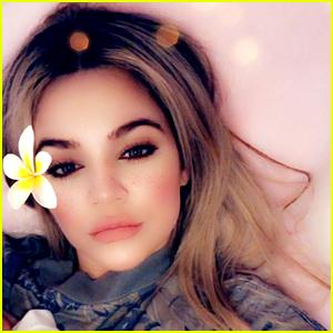 Khloe Kardashian Shares First Glimpse of Daughter True!