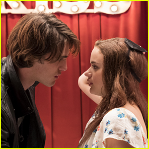'The Kissing Booth' Debuts Trailer Starring Joey King & Jacob Elordi - Watch Now!