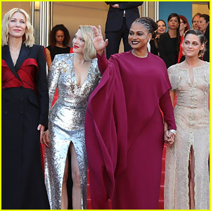 Kristen Stewart & Cate Blanchett Join Cannes Jury Members at Closing Ceremony!