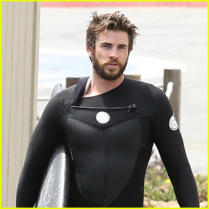Liam Hemsworth Looks Hot While Surfing With Friends in Malibu!