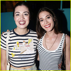 'Mean Girls' Movie Star Lizzy Caplan Meets the Broadway Cast!