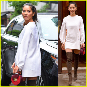Olivia Munn Stays Stylish in the Rain in New York City!