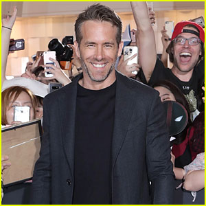 Ryan Reynolds is Sexy in Seoul for 'Deadpool 2' Premiere!