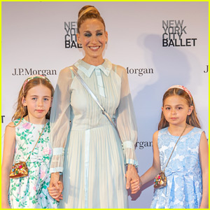 Sarah Jessica Parker Takes Her Twin Daughters to the Ballet!