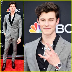Shawn Mendes Looks So Suave Walking Billboard Music Awards 2018 Red Carpet!