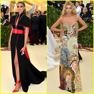 VS Angels Taylor Hill & Stella Maxwell Stick to the Theme at Met Gala 2018!