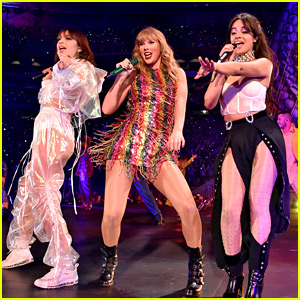 Taylor Swift Sings 'Shake It Off' with Camila Cabello & Charli XCX on Tour!