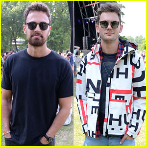 Theo James & Jeremy Irvine Check Out All Points East Festival