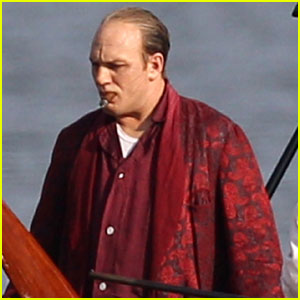 Tom Hardy Looks Unrecognizable as Al Capone for 'Fonzo!'