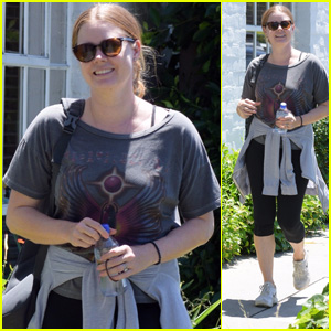 Amy Adams Steps Out After Getting in a Workout in Beverly Hills