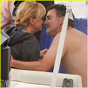 Anna Faris & Boyfriend Michael Barrett Share a Kiss in Italy!