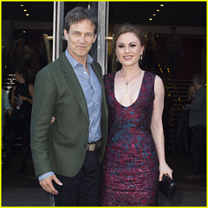 Anna Paquin & Stephen Moyer Premiere Their New Movie 'The Parting Glass' in Scotland
