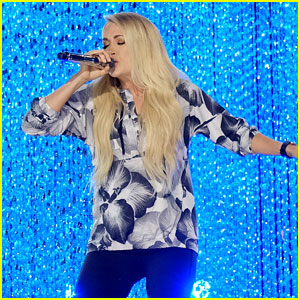 Carrie Underwood Hits the Stage for CMT Music Awards Rehearsals!