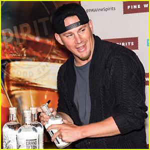 Channing Tatum Signs Bottles of Born & Bred Vodka in Pennsylvania!