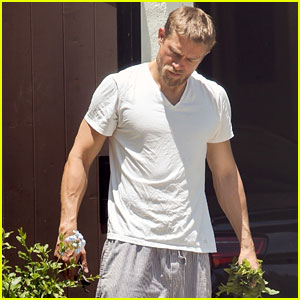 Charlie Hunnam Is a Hot Handyman While Doing Yard Work!