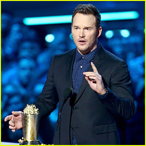 Chris Pratt Teaches Fans How to Poop in Public During MTV Awards Speech (Video)