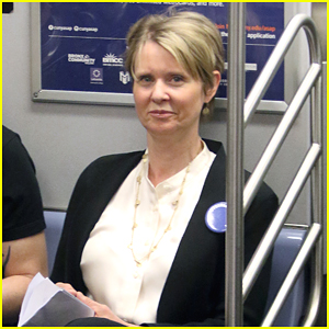 Cynthia Nixon Takes the Subway to Work in NYC