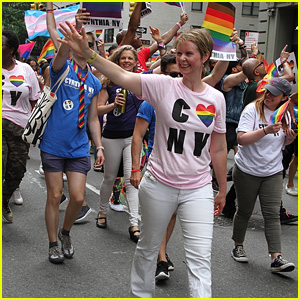 Cynthia Nixon Marches in the NYC Pride Parade 2018!
