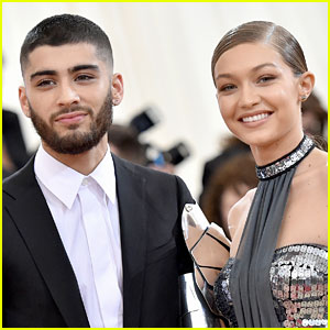 Gigi Hadid & Zayn Malik Cuddle Up in Cute New Instagram Selfie