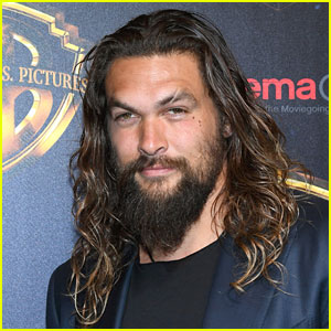 Jason Momoa Took the Most Epic Photo with These 2 Fans!