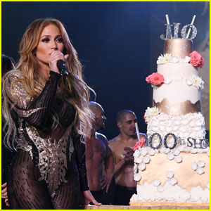 Jennifer Lopez Celebrates 100th Show of Las Vegas Residency!