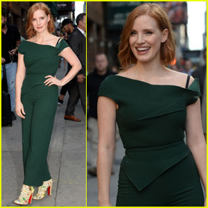 Jessica Chastain Is Gorgeous In Green For 'Late Show' Appearance