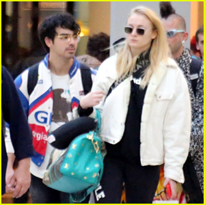 Joe Jonas & Fiancee Sophie Turner Arrive in Barcelona!