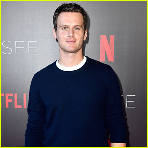 Jonathan Groff Shot the Same 9-Minute 'Mindhunter' Scene 75 Times