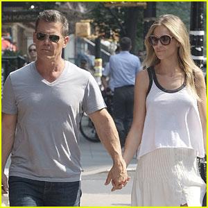 Josh Brolin & Wife Kathryn Enjoy a Beautiful Day in New York