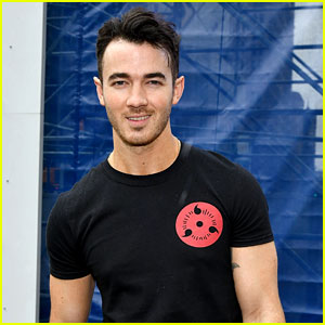 Kevin Jonas & Marshalls Team Up for Father's Day Event in NYC