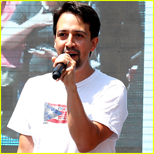 Lin-Manuel Miranda Sings 'Hamilton' Lullaby at Families Belong Together Rally (VIDEO)