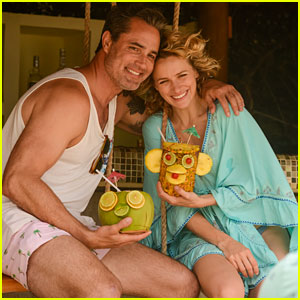 Shantel VanSanten & Longtime Boyfriend Victor Webster Flaunt PDA During Trip to Mexico!