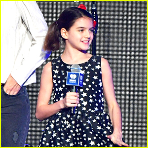 Suri Cruise Runs Lemonade Stand at NYC Pride Parade 2018!
