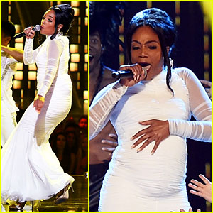 Tiffany Haddish Wears Cardi B's Dress & Gets Pregnant On Stage at MTV Awards 2018 (Video)